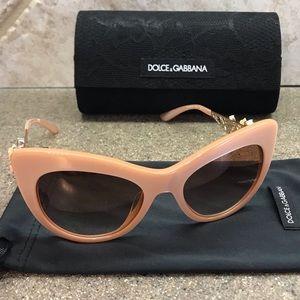 😎 Dolce & Gabbana 52mm Lace Flower Sunglasses